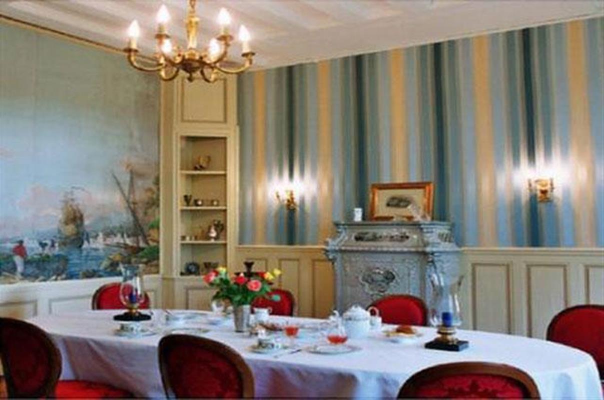Tables d 39 h tes salle de restaurant et menu gastronomique - La table marseillaise chateau gombert ...